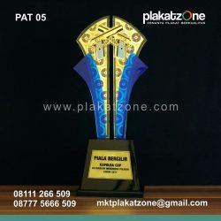 trophy plakat piala eksklusif dan berkualitas